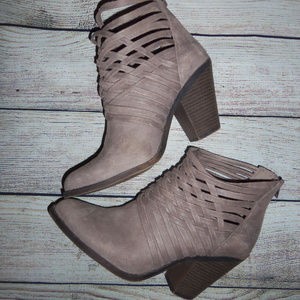 Fergalicious by Fergie Booties 8M